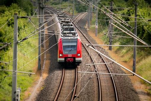 train-797072__340